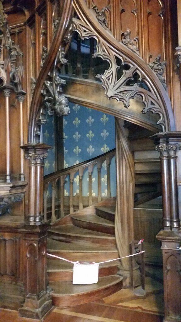 Лестница на антресоли