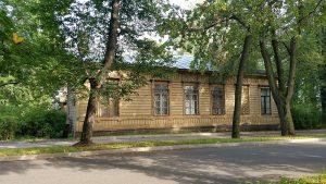 Жилой дом на территории парка