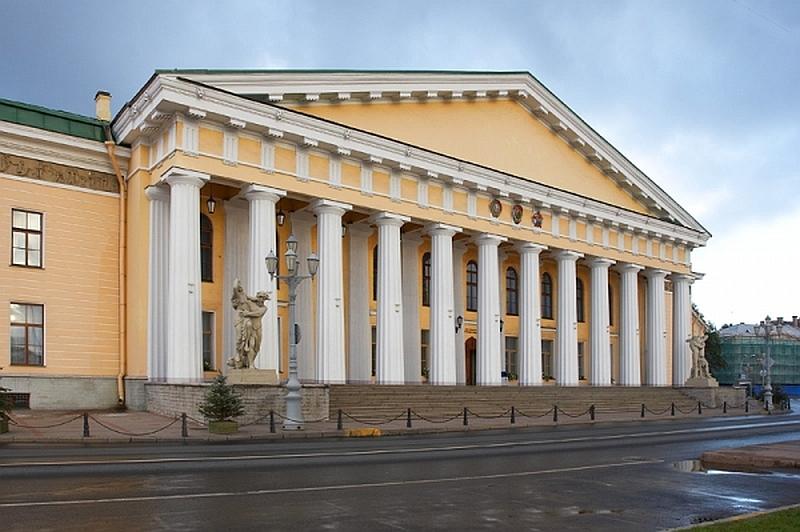 Фасад Горного института