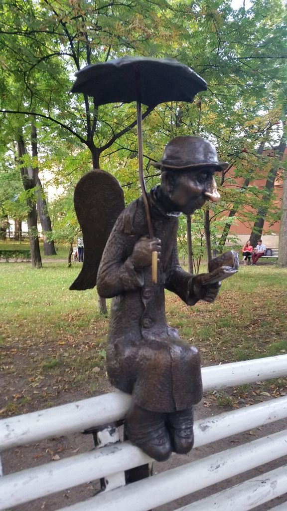 Ангел работы Р. Шустова