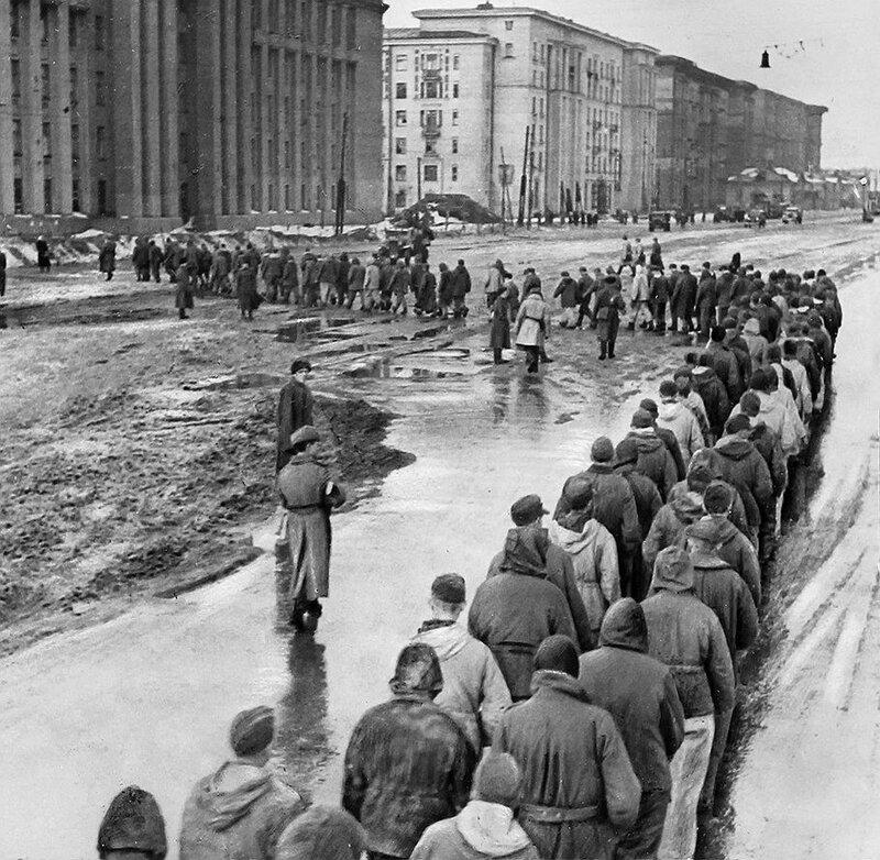 Пленные фашисты в Ленинграде, 30 января 1944г.