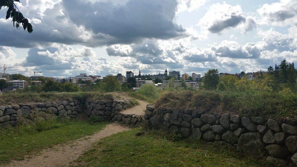 Стены крепости. Вид из крепости на город