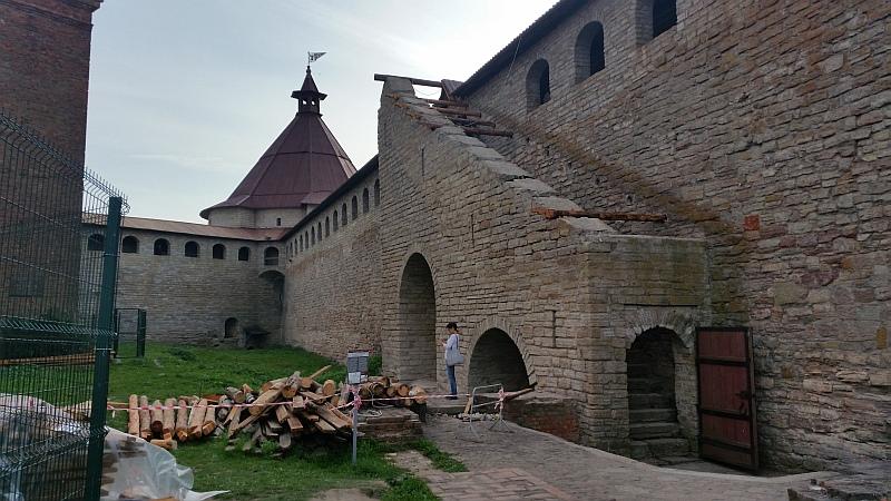 Вход на стену крепости