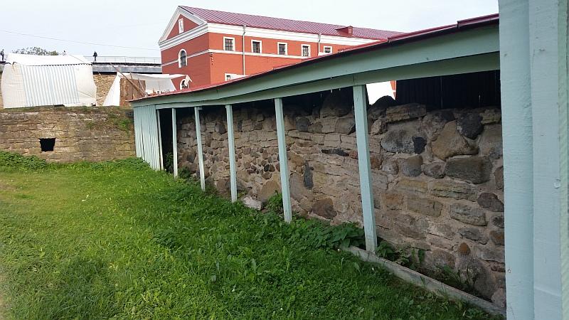 Древняя стена крепости