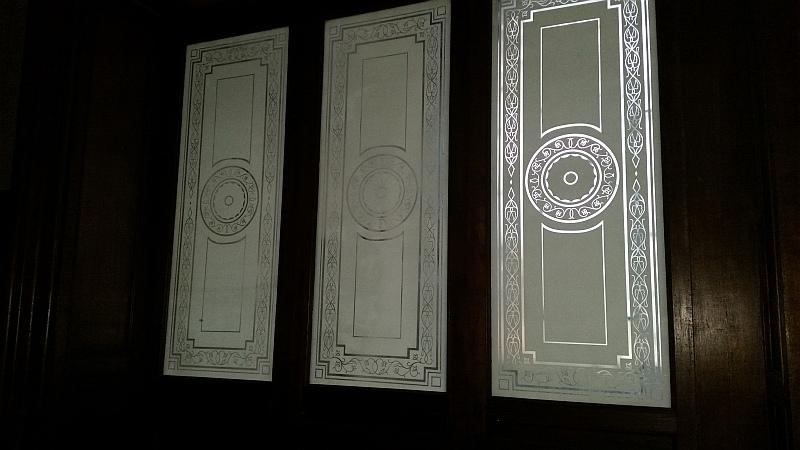 Стеклянные двери в оранжерею