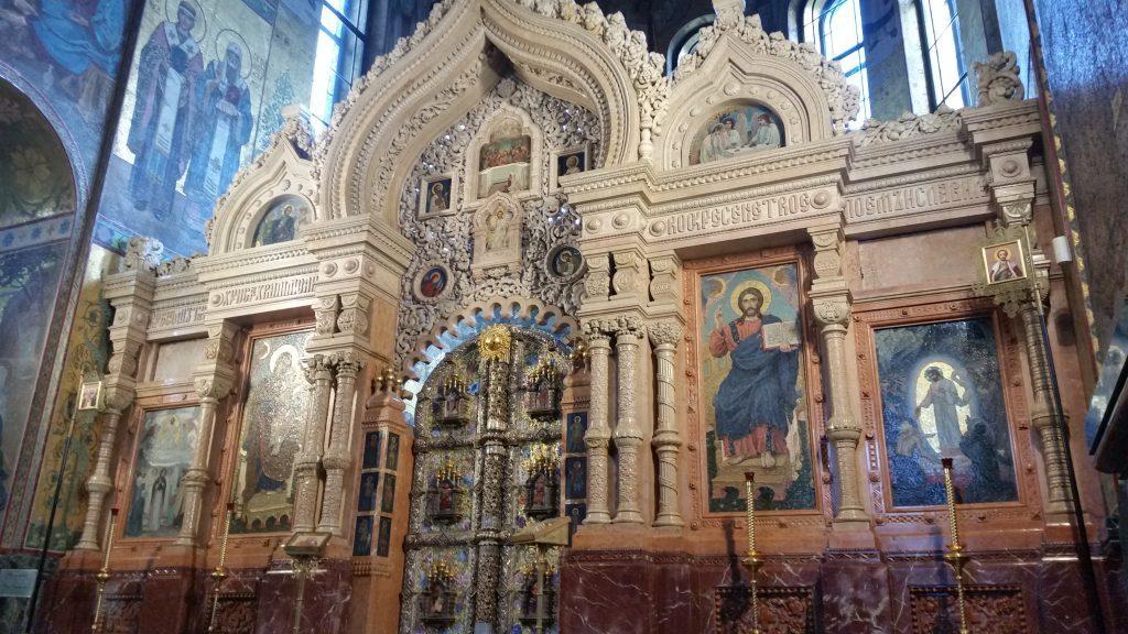 Центральные местные иконы иконостаса «Спаситель» и «Пресвятая Богородица»