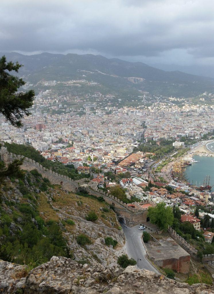 Вид сверху на крепость Аланья