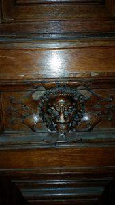 маскарон двери