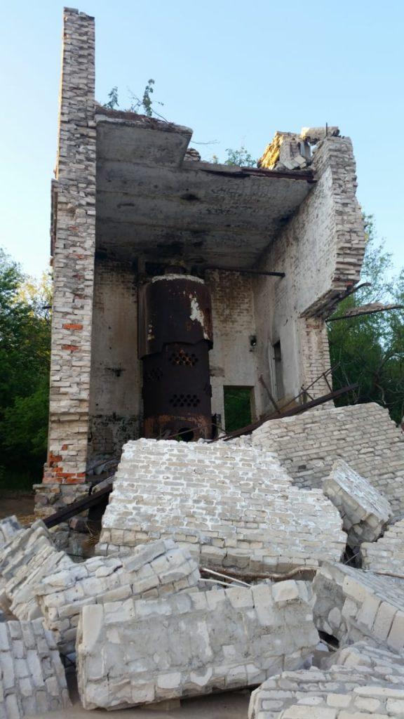 Развалины...назначение здания мне неизвестно
