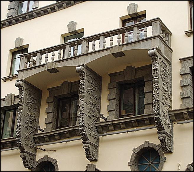 Декорация балкона