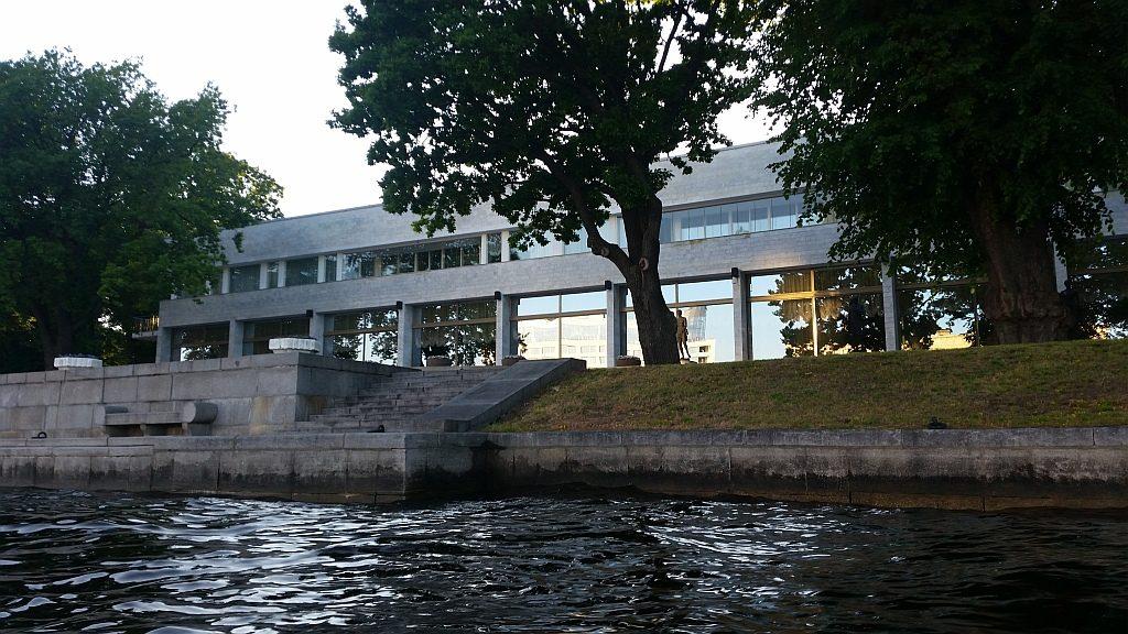 Резиденция К-2 построена  на месте  дачи Отмар-Нейшеллера
