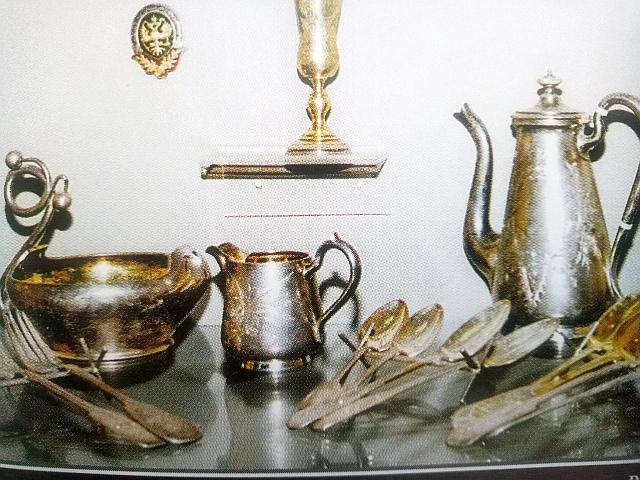 Серебряные вещи из клада фабрикантов Вахрушевых, Вятка, 1976г. Вес клада - почти 53 кг.