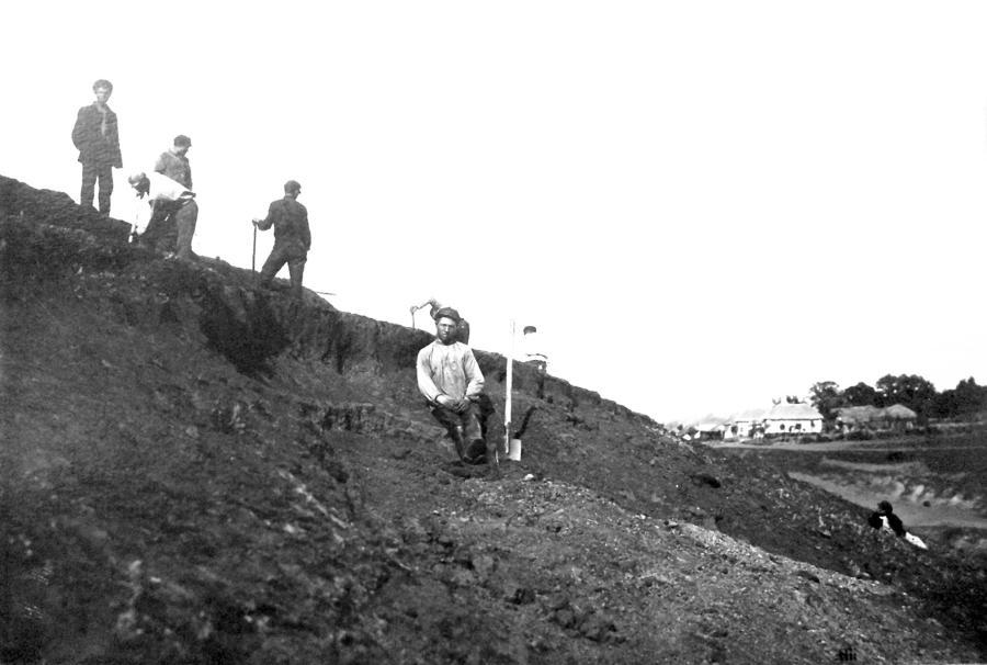 Раскопки на месте находки Старосуджанского (Ставрополье) клада в июле 1928 г