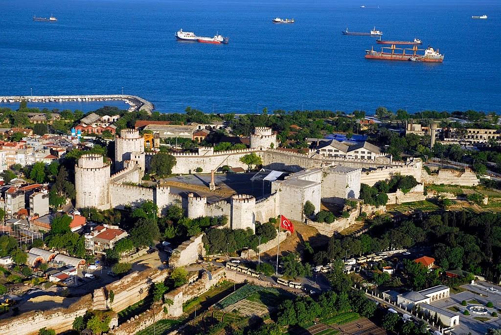 Семибашенный замок Йедикуле